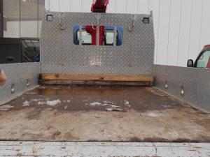 クレーン車荷台後方施工前