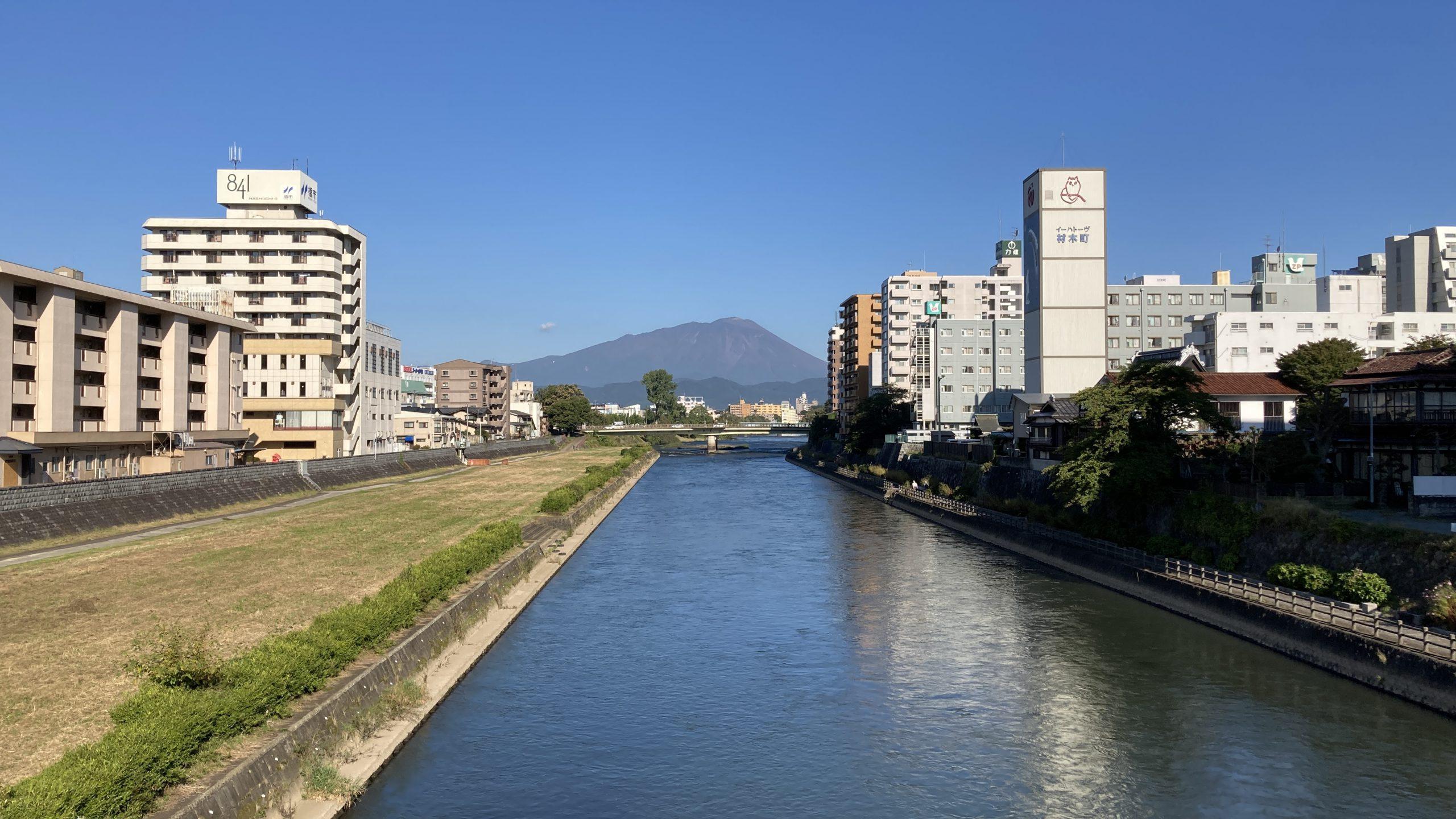 岩手山と北上川2021_10_03
